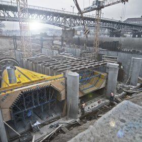 Elektrárna v Roudnici nad Labem roste jako z vody