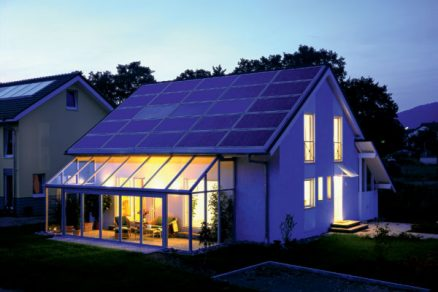 Fotovoltaická elektrárna na střeše domu
