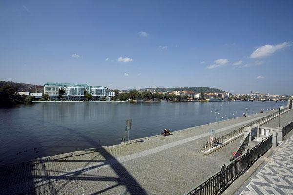 Hotel spřístavem na Vltavě