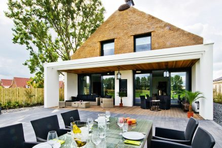 Moderní slaměný dům