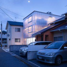 Průsvitný dům: na co okna?
