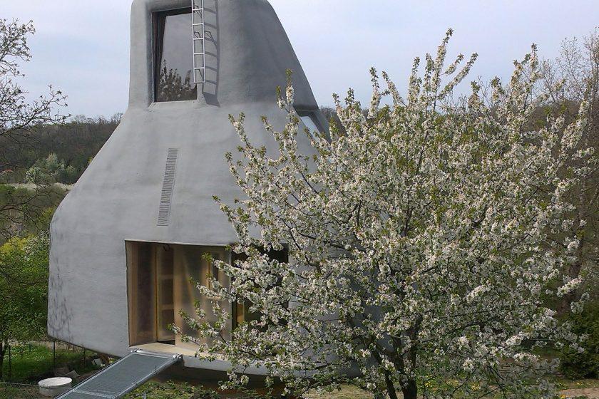 Dům v sadu: Bydlení v koruně stromů