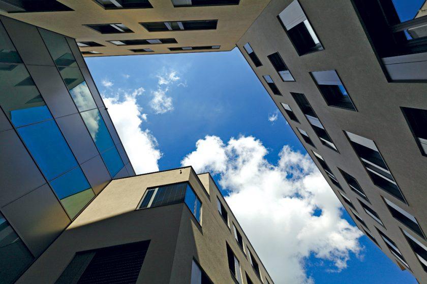 Třetina stavebních projektů se kvůli nekvalitě musela přepracovat