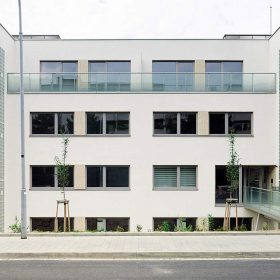Bytový dům věrný funkcionalistické tradici