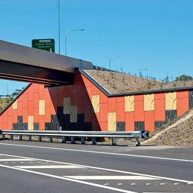 Vyztužené zeminy v mostním stavitelství