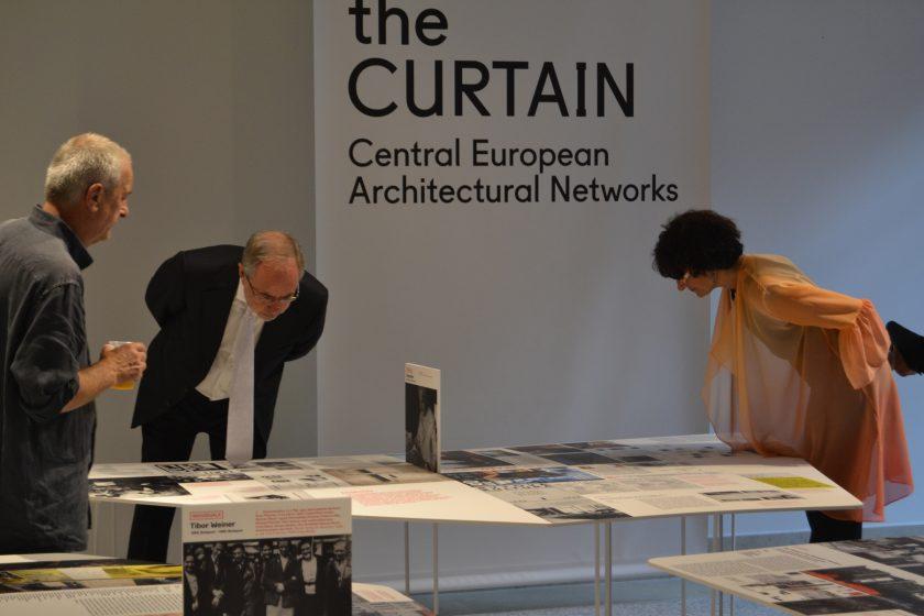 Výstava Lifting the Curtain v Benátkách úspěšně prezentuje středoevropskou architekturu