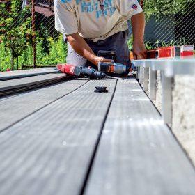 Montujeme terasu ze dřevoplastu