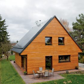 Energeticky aktivní dům vyrobí o50 % více energie, než sám spotřebuje
