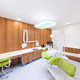 Zubní klinika má interiér, který lidem pomůže zbavit se strachu