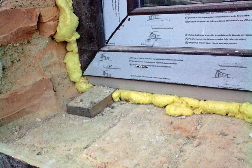 Montáž vstupních a balkónových dveří