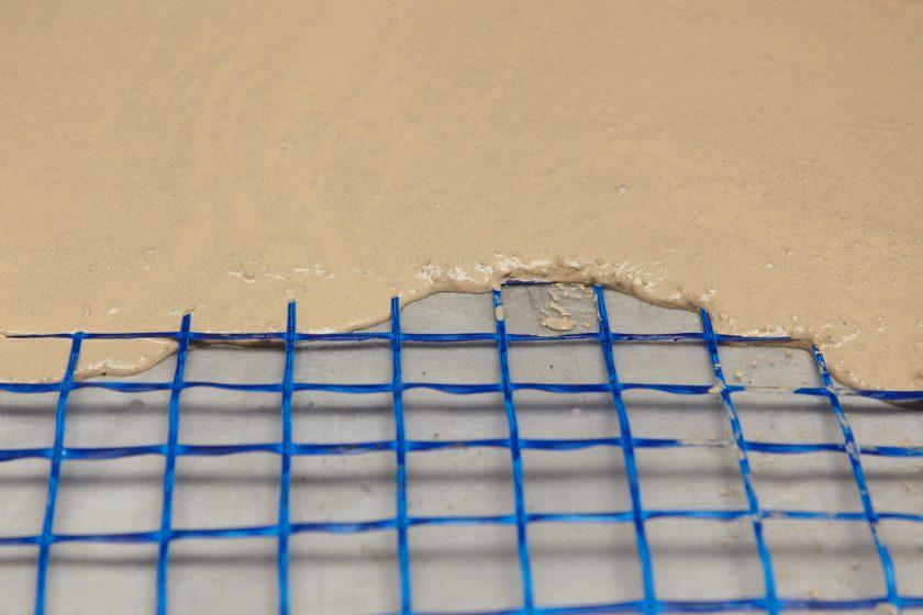 Unikátní mříž ze skleněných vláken od Saint-Gobain ADFORS zvýší životnost materiálu podlah