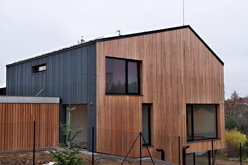 Rodinný dům s titanzinkovým pláštěm