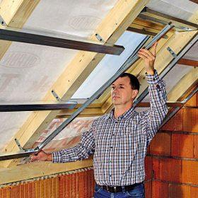 Montáž opláštění střešního okna