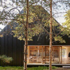 Atypický víkendový dům v přírodě