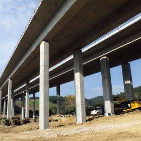 Výstavba mostních objektů na stavbě II. úseku dálnice D1