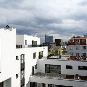 Developeři připravují prodej stovek nových bytů v Praze
