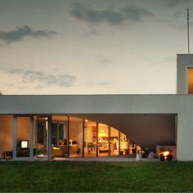 OUTrial house – zimní zahrada nebo atrium