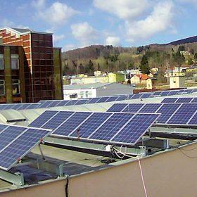 Zkušenosti s provozem fotovoltaické elektrárny na střeše