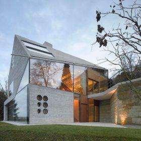 Vila Haus 36 ve Stuttgartu: celá z ultralehkého izolačního betonu