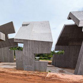 Atypická architektura realizovaná se systémovým bedněním