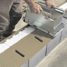 Zdění z betonového systému z tvárnic Livetherm