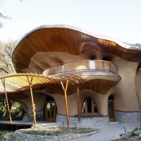 Dřevostavba z přírodních materiálů inspirovaná feng shui