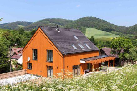 Dokonalá přestavba: venkovské prvky v současném stylu