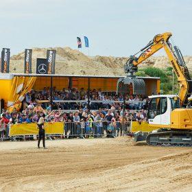 Úspěšné zakončení Liebherr-RoadShow 2015