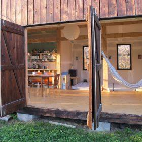 Netradiční dřevostavba: exteriér v interiéru