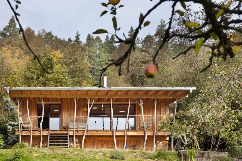 Originální chata s malířským ateliérem