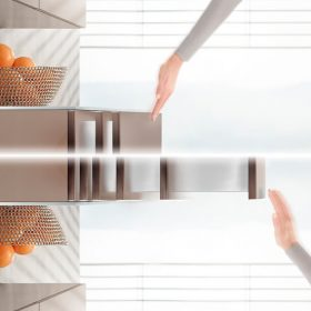 Zásuvky bez úchytek s tlumeným zavíráním TIP-ON BLUMOTION
