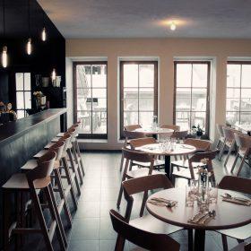 Café-steak-bar Havran: Minimalismus v renesančním domě v Litomyšli