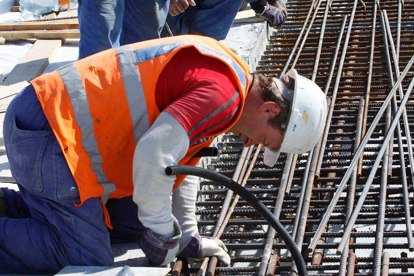 Stát v srpnu vypsal nejméně stavebních tendrů od roku 2012