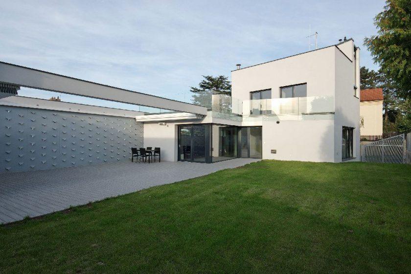 Tři úrovně teras rodinného domu