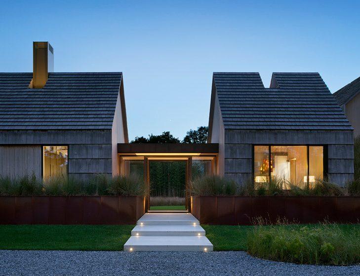 Dům na Long Islandu oděný do šindelů je letním sídlem rodiny z New Yorku
