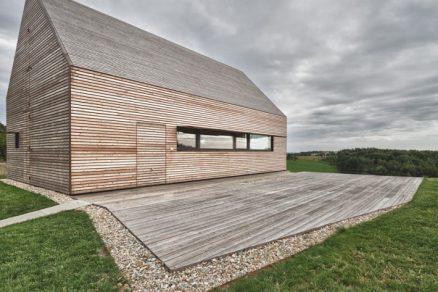Inspirace: Půvabná modřínová fasáda na letním domku