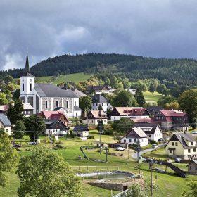 Je nutné chránit venkov a krajinu, která životu v malých obcích dává smysl