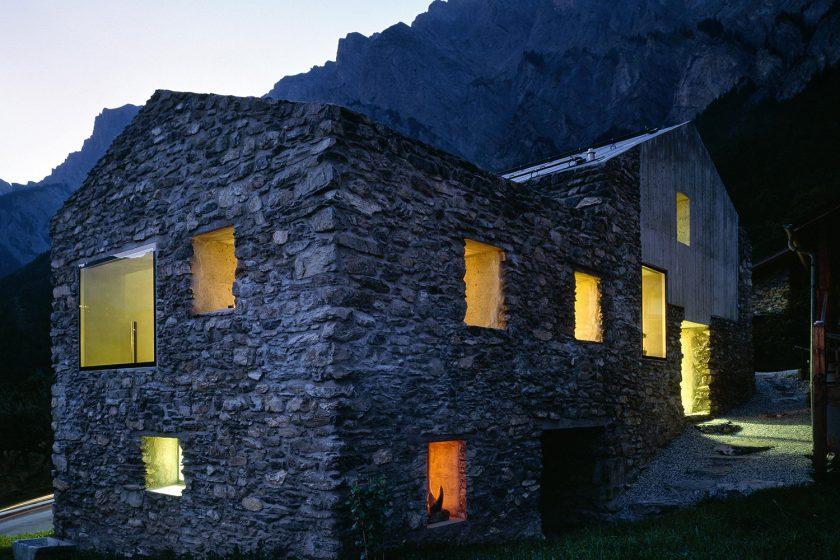 Přestavba tradičního alpského domu do nízkoenergetického standardu