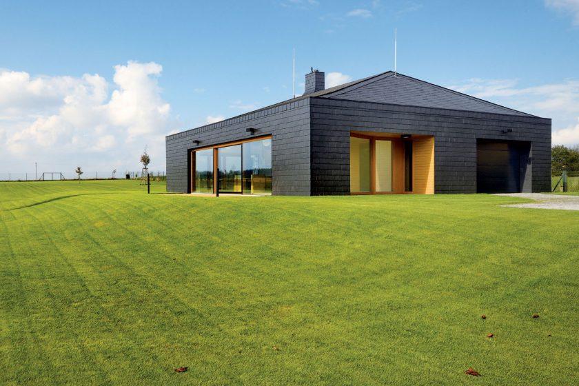 BRICK AWARD 2016: Cihlový dům s pálenou střešní krytinou