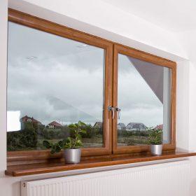 Nezapomeňte na okenní parapet!