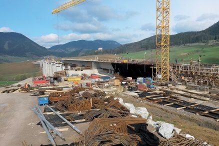 Dodatečné předpětí a vysouvací zařízení pro most 213-00 na D1 Hubová – Ivachnová