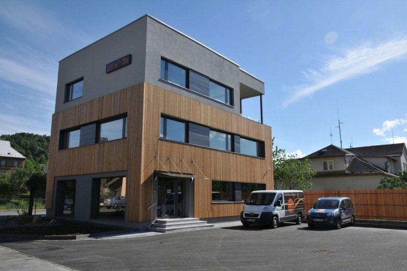Nové kancelářské centrum firmy FENIX v Jeseníku je dokončeno