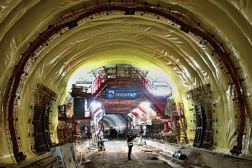Návrh, realizace a podmínky provádění nevyztuženého definitivního ostění konvenčně ražených tunelů, I. část