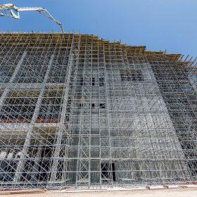 Podpěrná konstrukce pro novou ikonu Atén se zajištěním i pro případ zemětřesení