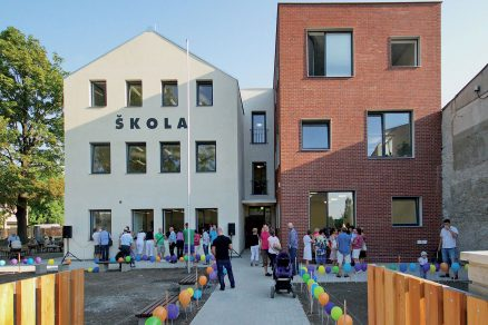 Škola, kvůli které by se nejeden dospělý rád vrátil do dětských let