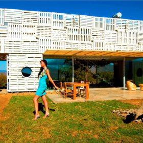 Eco-friendly dům z recyklovaných materiálů