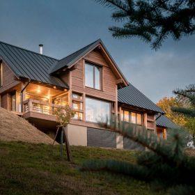 Czech Chalet – dřevostavba v alpském stylu v českých horách