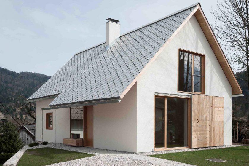 V jednoduchosti je genialita – moderní dům v chráněné oblasti