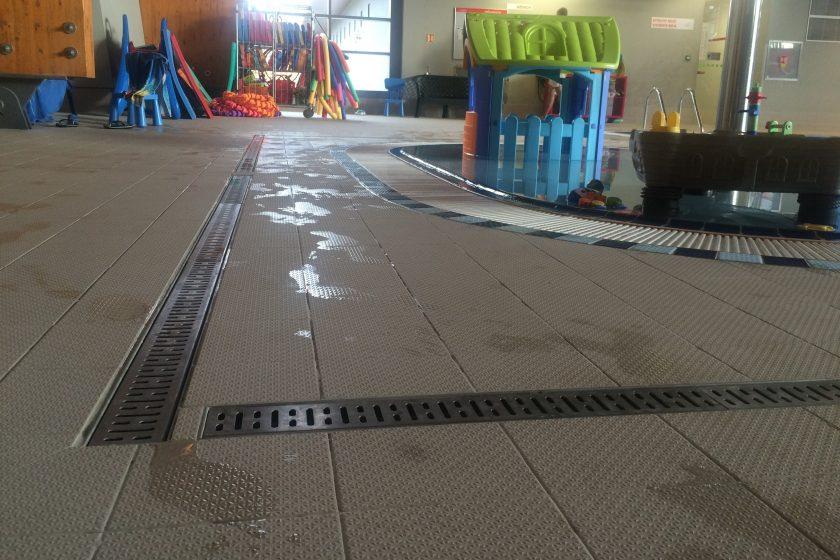 Nerezové odvodnění plaveckých bazénů v Brně