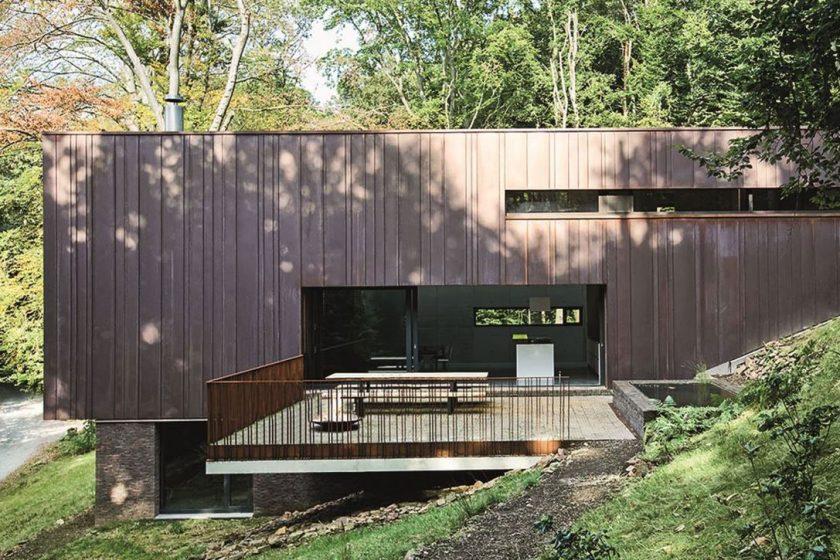 Ohleduplné bydlení v přírodě pro pětičlennou rodinu architekta